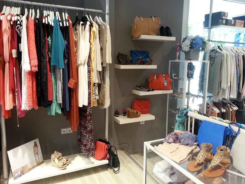 Murkil for Decoracion de negocios de ropa